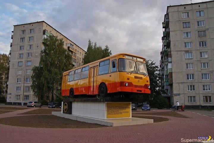"Памятники ""Луноходам"""