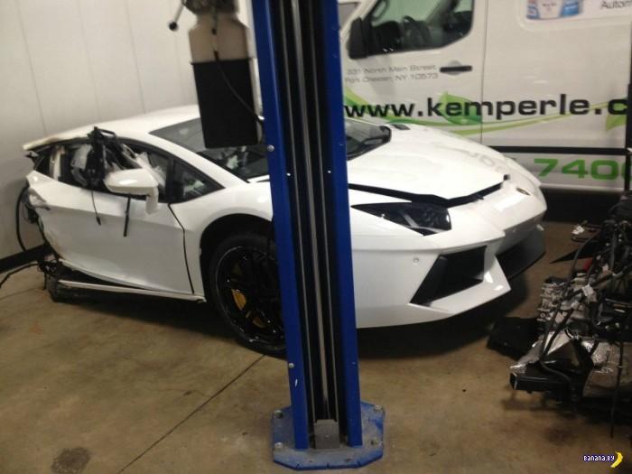 Половинки Lamborghini