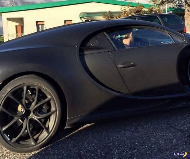 На улице поймали Bugatti Chiron
