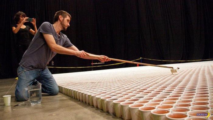 66000 бумажных стаканчиков