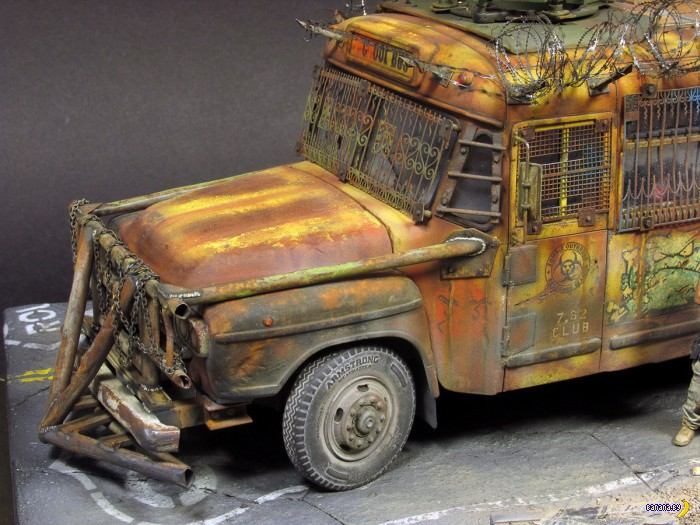 Что можно сделать из простенькой модели автобуса?