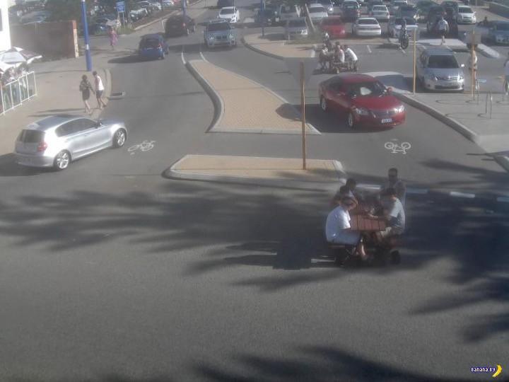 Австралийская полиция объявила их в розыск