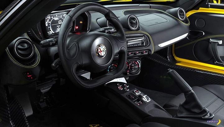 Банановый 2015 Alfa Romeo 4C Spider