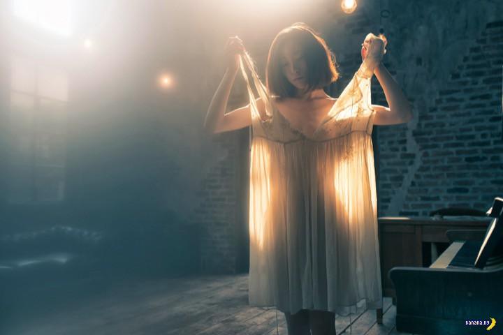 Ускользающий свет и обнаженные тела