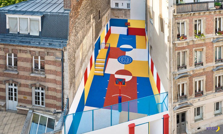 Спортивная площадка в Париже