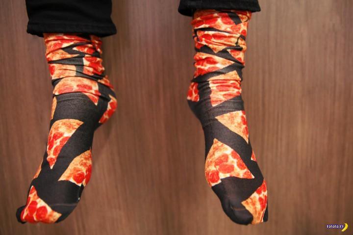 Pizza Hut запускает линейку идиотской одежды