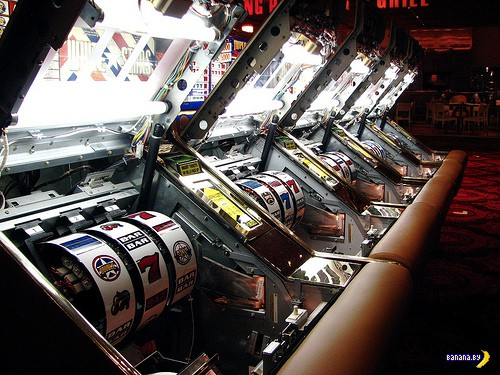 Почему игроки предпочитают игровые автоматы?