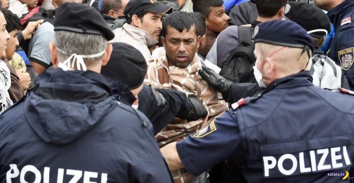 Полиция Германии начала возвращать беженцев в Австрию