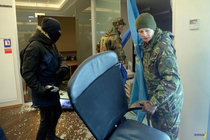 """Героям слава! В Киеве вчера """"завоевали"""" банки"""