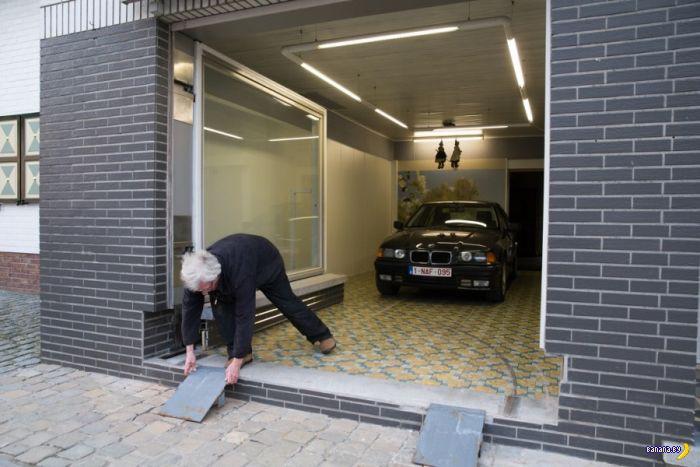 Сделал себе гараж из магазинчика