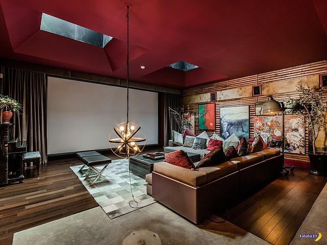 Очень странный дом выставлен на продажу в Монреале