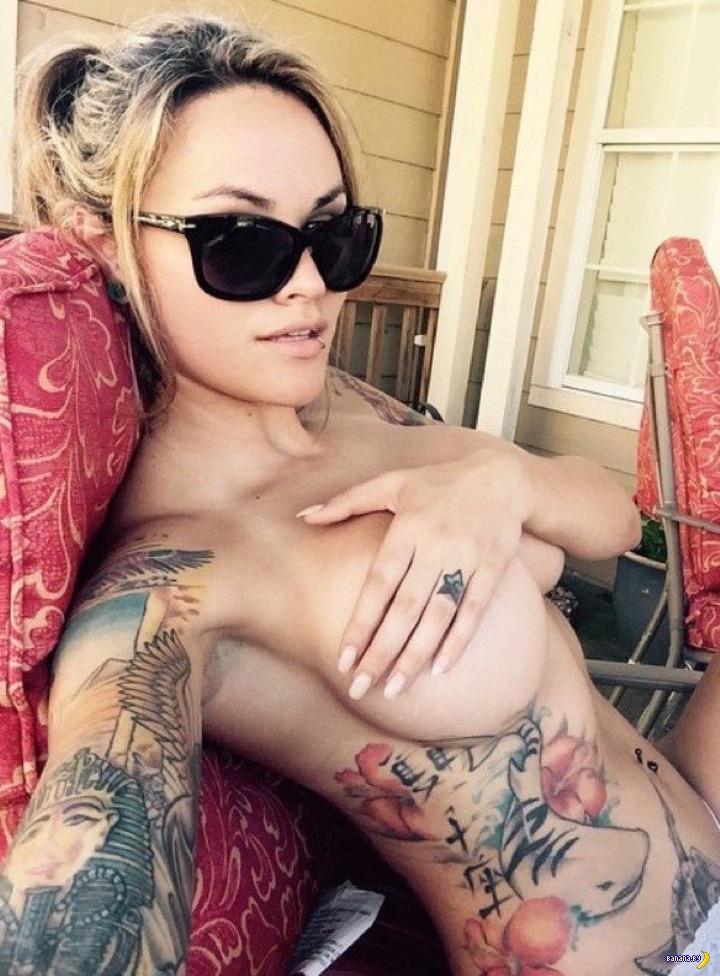 Tattooed mature lady Alina Long baring big tits and pierced pussy  1231134