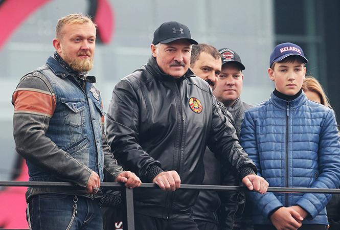 Лукашенко закрыл мотосезон