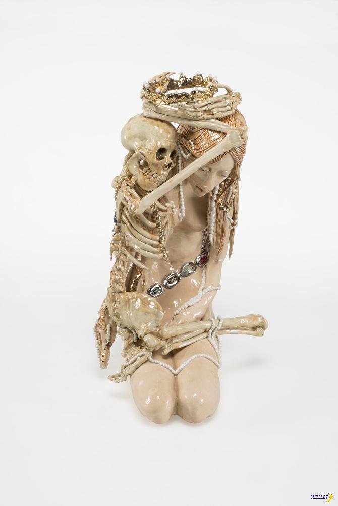 Страшная керамика Каролин Смит
