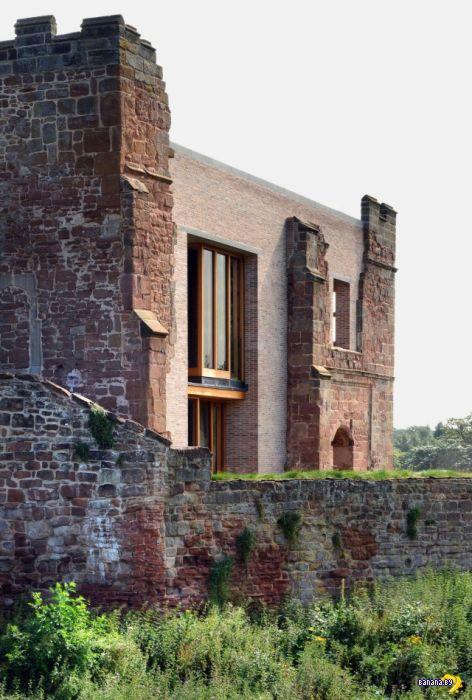 Руины замка стали домом