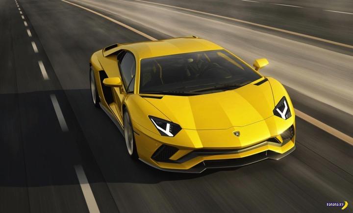 Банановый Lamborghini Aventador S
