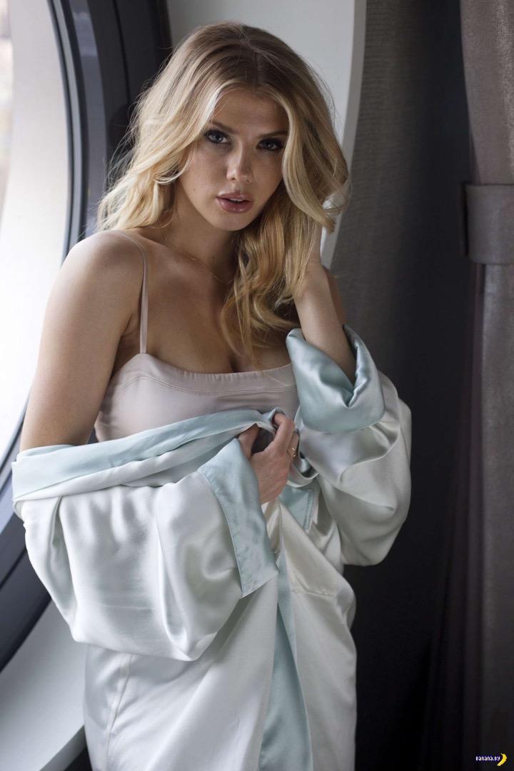 Шарлотта Маккинни для Dream Hotel