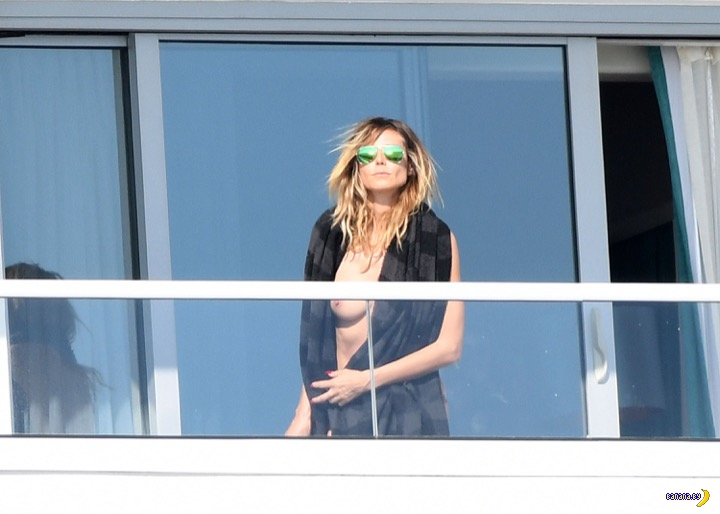 Хайди Клум поймали на балконе