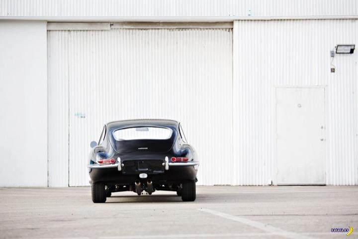 Чертовски красив –1964 Jaguar E-Type Fixed Head Coupe