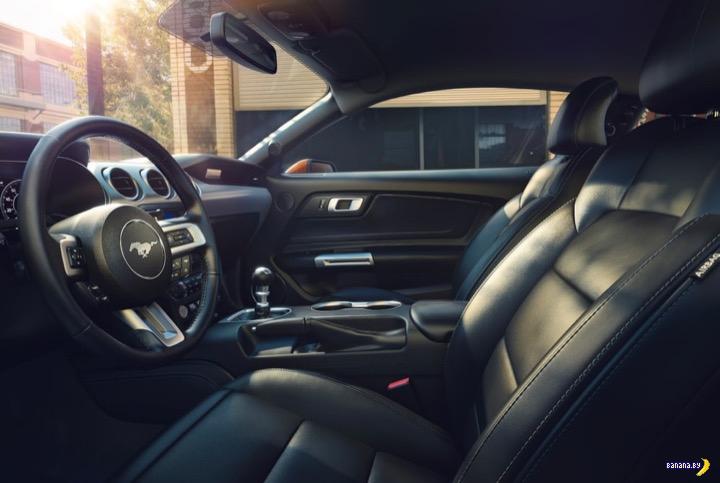 Банановый 2018 Ford Mustang