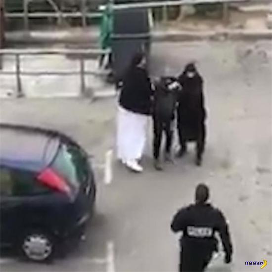 Французские полицейские выбесили мусульман