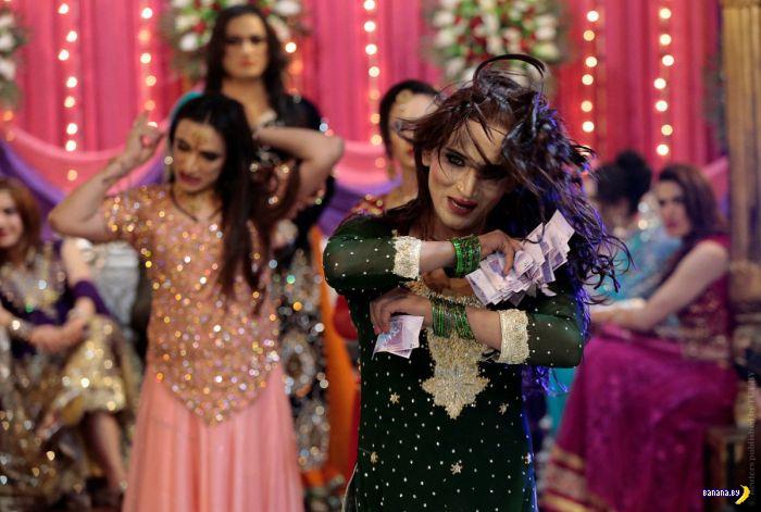 Транс-вечеринка в Пакистане