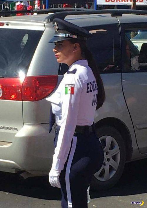 Самая красивая полицайка из Мексики