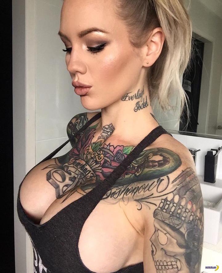 Carmen bella masturbates