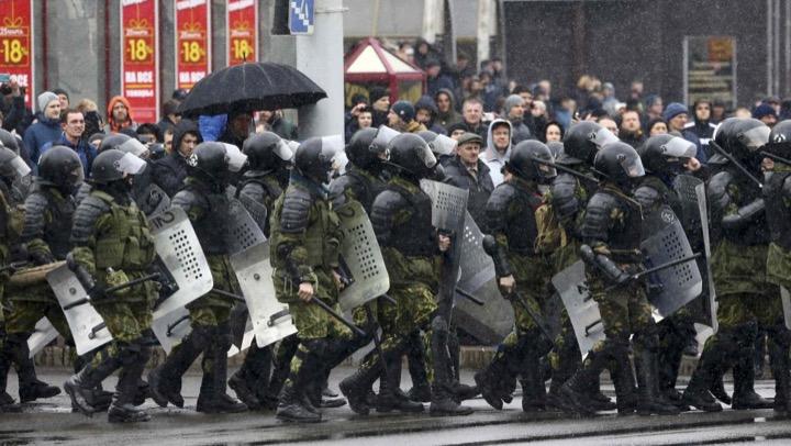 Штрафы за несанкционированные митинги в разных странах