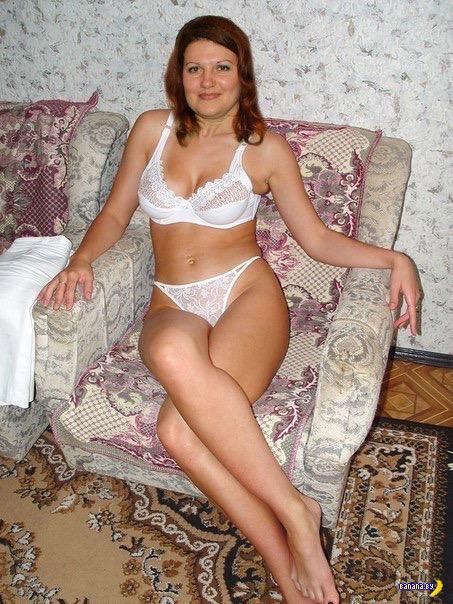 фото женщин в белых трусах