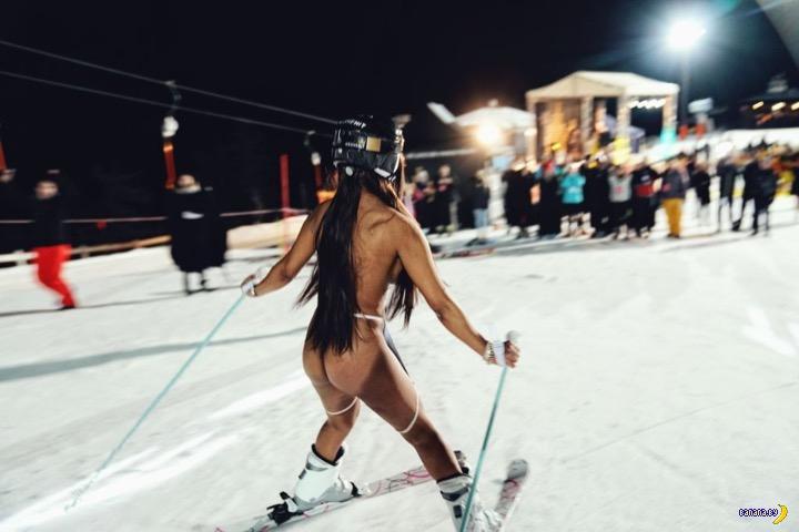 Микаэла Шефер и голые лыжницы!