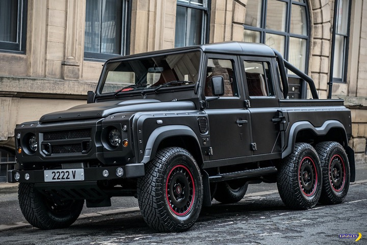 Land Rover Defender 6×6 Flying Huntsman
