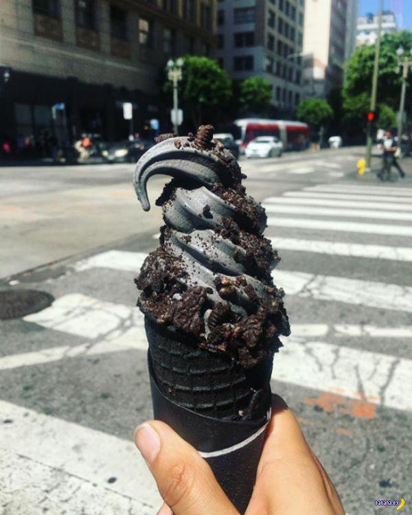 Черное-черное мороженое