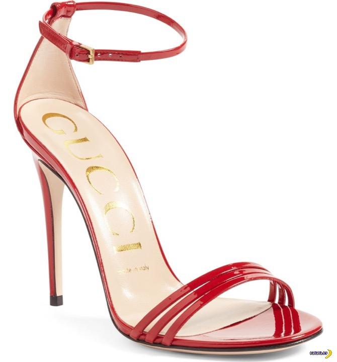 GUCCI и странная обувь с носком из латекса