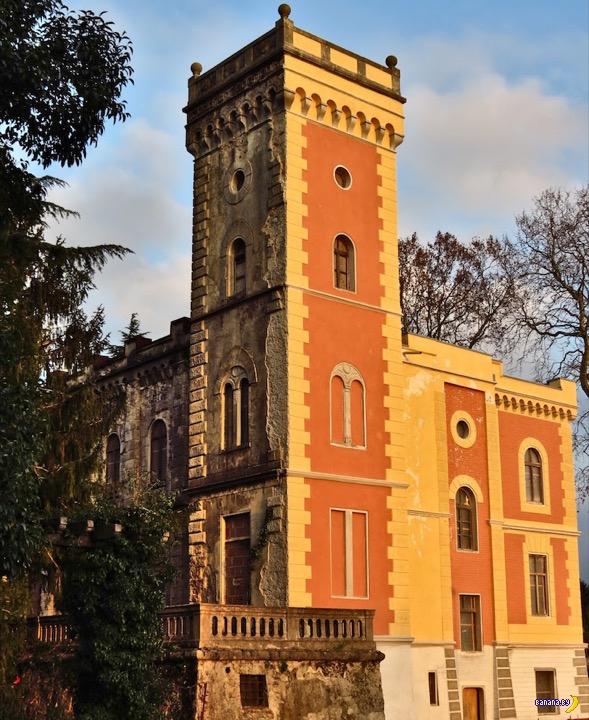 Раздача бесплатных замков в Италии