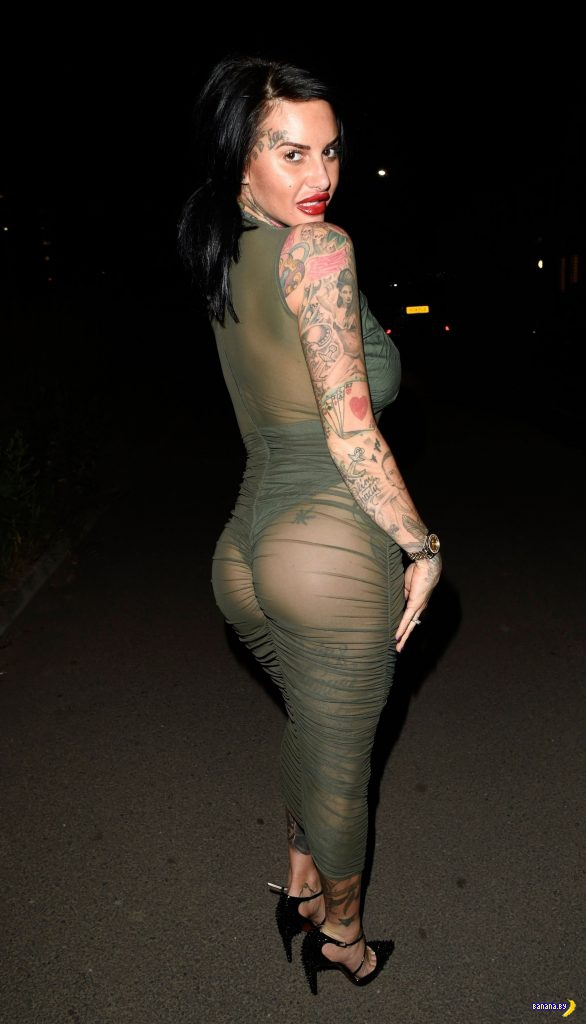 Джемма Люси в зелёном