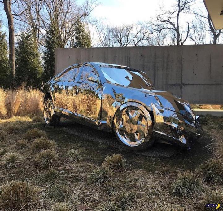 Mercedes-Benz и 12000 зеркал
