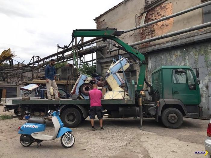 Трансформер Укробот на защите рубежей Украины!