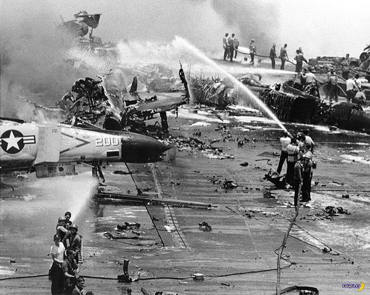 50 лет пожару на авианосце «Форрестол»