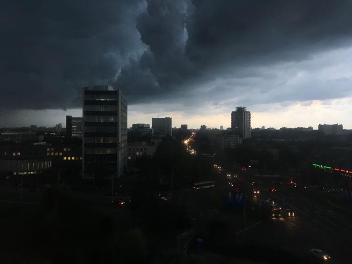 Погода: пришел циклон и мы в его центре!
