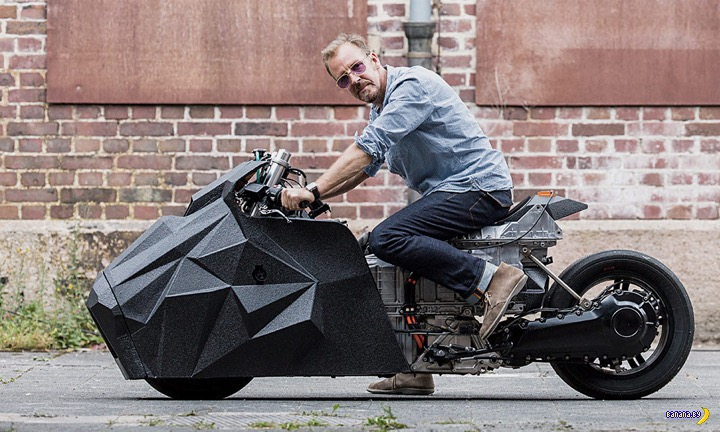 Скутер BMW Motorrad x Krautmotors E-LisaBad