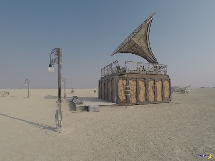 Фантастическая архитектура на Burning Man 2017