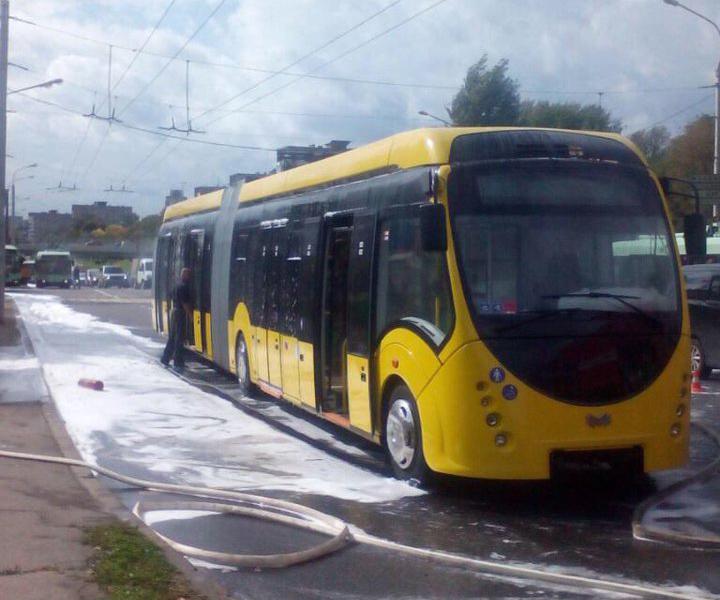 Минус один электробус