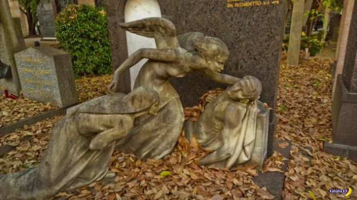 Скульптуры бывают всякие