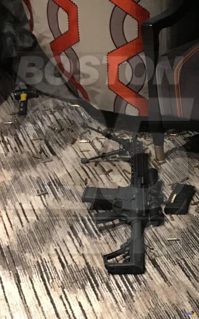 Чем был вооружен стрелок из Лас Вегаса?
