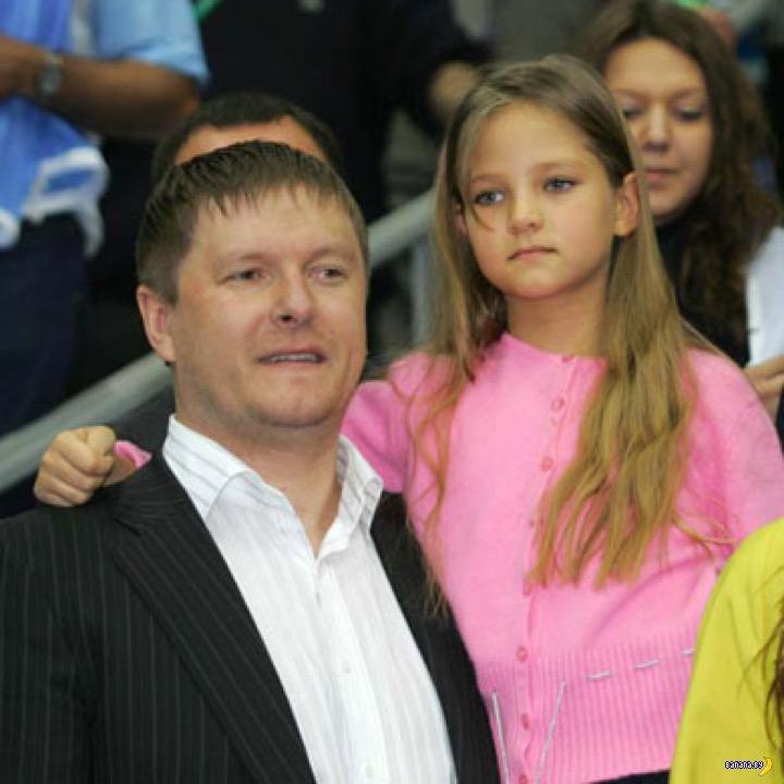 Чья дочь-модель на фото?