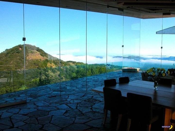 Как Glass House пережил лесные пожары в Калифорнии