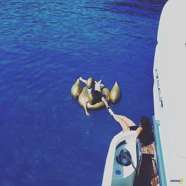 Богатая молодёжь Греции