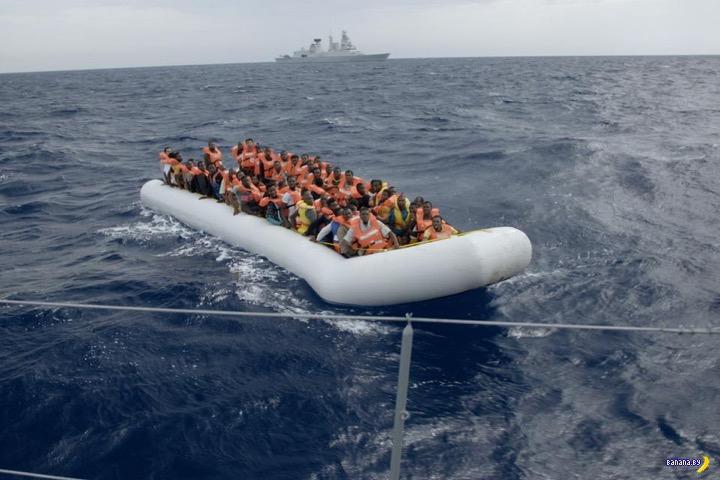 Италия откупилась от беженцев