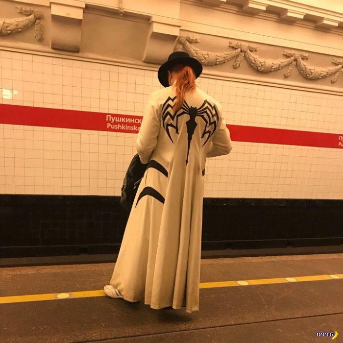 Модники в метро - 8